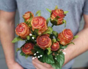 розы из бекона