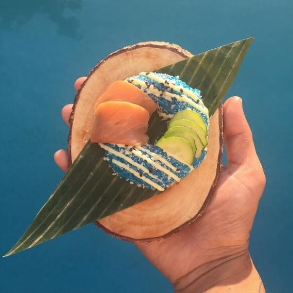 Суши в форме пончика